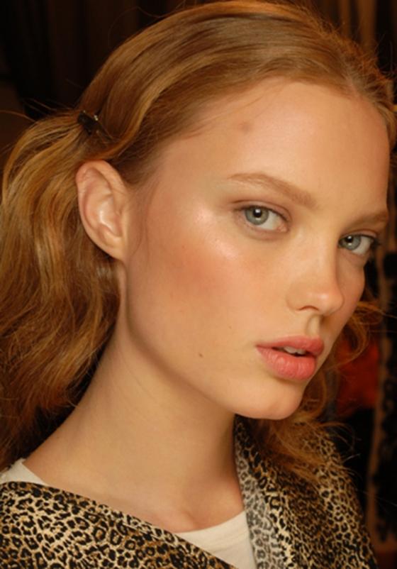 blush-model